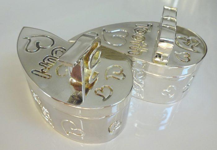 Cum curatam obiectele placate cu argint