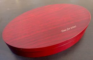 Accesorii pentru sticla de vin in cutie personalizata, Set accesorii de vin, indispensabil pentru cei pasionati de arta degustarii