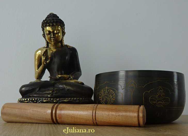 Bol tibetan si statueta care il repreziznta pe Buddha pentru sanatate