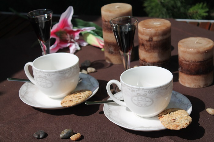 cesti de cafea din portelan fin