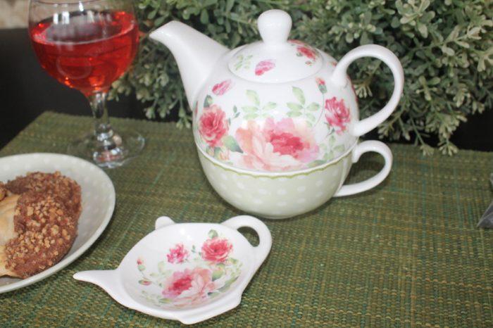 Ceainic de portelan set cu ceasca si farfurioara