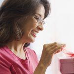 Cum gasesti un cadou pentru cineva pe care nu il cunosti bine