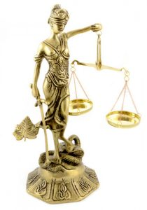 Statueta zeita Justitiei de bronz