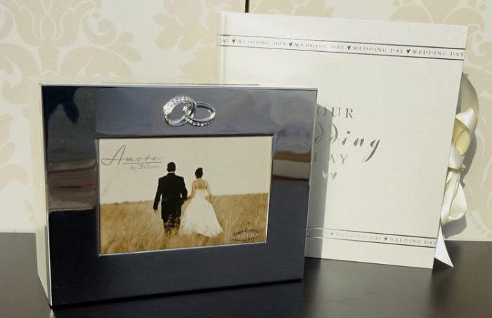 cadouri pentru miri caseta si album de nunta