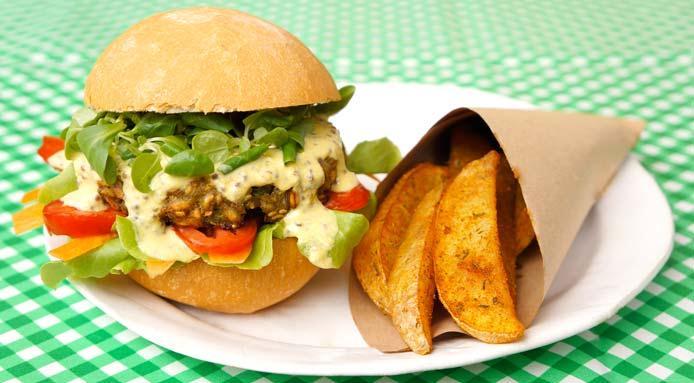 Cel mai delicios burger vegan cu sfecla si naut
