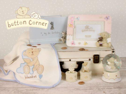 cadou pentru bebe Button Corner Cadouri pentru bebelusi botez si prima aniversare colectia Button Corner
