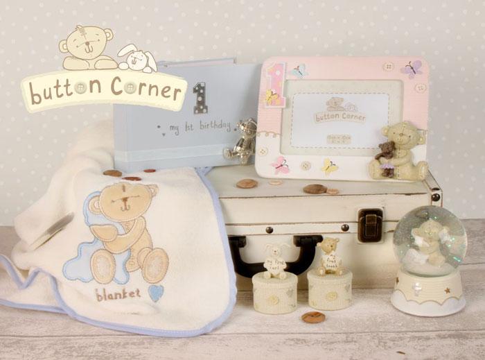 cadou pentru bebe Button Corner Cadouri pentru bebelusi botez si prima aniversare colectia Button Corner, cadou de botez de la nasi
