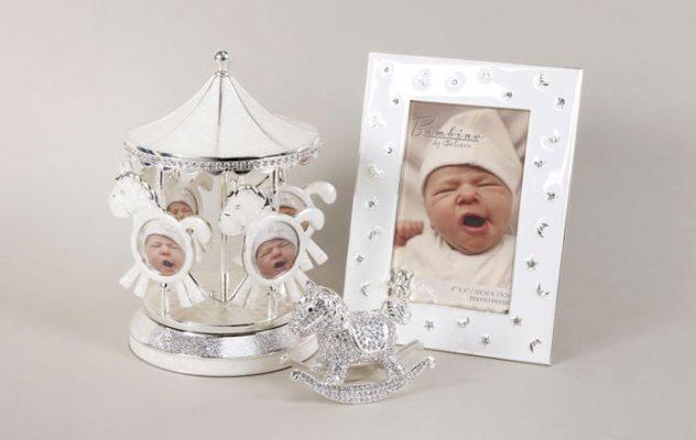 Carusel muzical argintat si rama foto pentru bebelusi cadouri de botez Bambino by Juliana