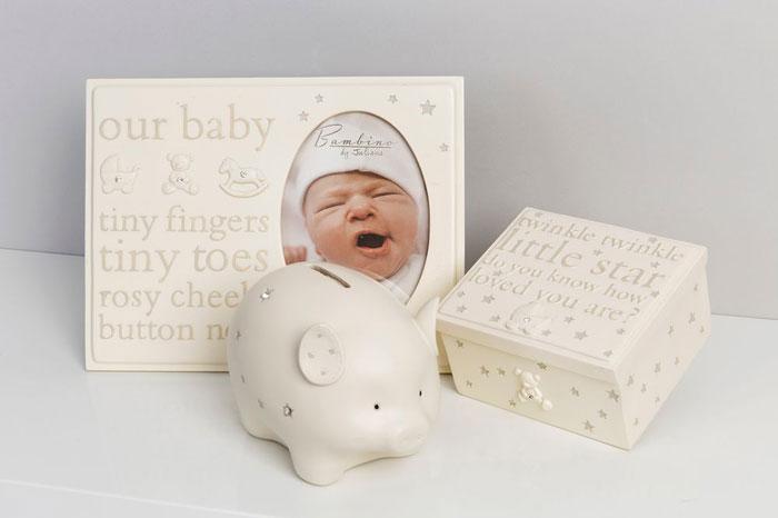 Caseta, pusculita si rama foto bebelus