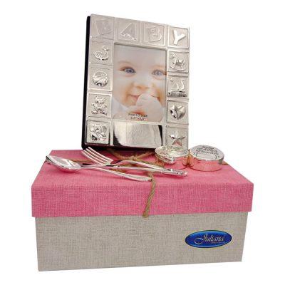 Cadou de botez pentru fetita in cutie cu capac roz